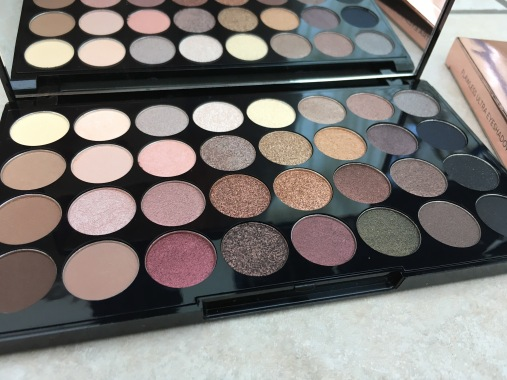 Makeup Revloution Flawless palette