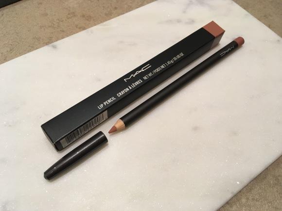 Mac Boldly Bare Lip Liner