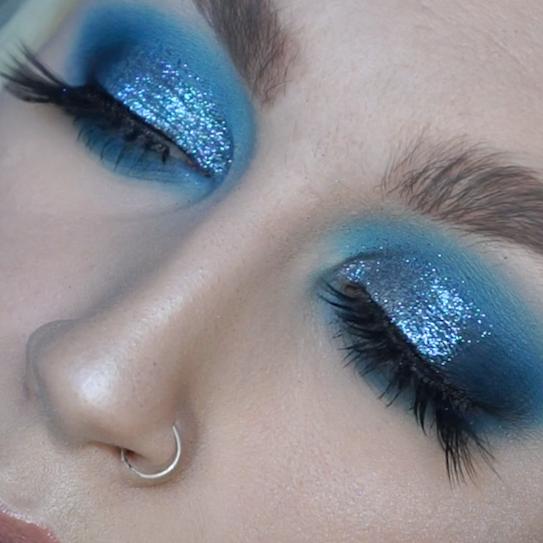 Lick and Lash 35E Palette Blue Glitter Tutorial