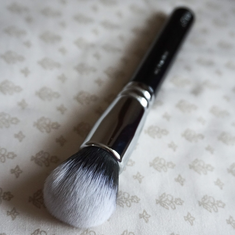 Zoeva 102 Silk Foundation Brush