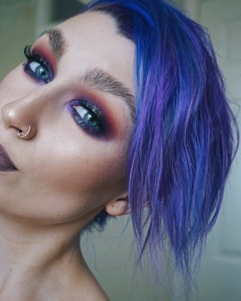 Smokey grungy eye look